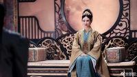 """Hoa hậu Hong Kong """"không sợ cảnh nóng"""" tuổi 53 trẻ đẹp nhờ ngủ nhiều"""