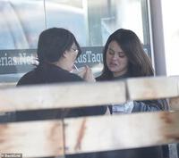 Selena Gomez gây sốc khi tăng cân đột ngột, từ mỹ nhân Disney bỗng phát tướng thành ''bà thím nhà bên''