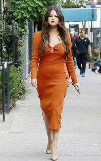 Selena Gomez tăng cân kỷ lục, mất sạch vẻ tròn vẫn xinh ngày nào?