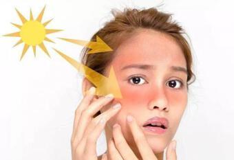 """Ngoài việc thức khuya, hai thói quen này cũng sẽ làm """"hao hụt"""" collagen của bạn và đẩy nhanh quá trình lão hóa"""