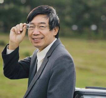 Nhà văn Sương Nguyệt Minh: ''Đại dịch như hàn thử biểu đo lòng người''