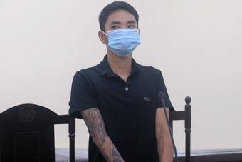 Hà Nội: Thợ cắt tóc túm tóc cán bộ kiểm dịch