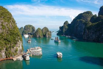 Quảng Ninh mở cửa trở lại nhiều hoạt động dịch vụ, du lịch nội địa