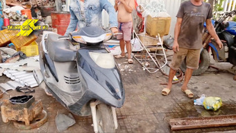 Chuyện xe cộ: Thợ máy Việt Nam chế 'siêu xe' từ xe máy 'đồng nát' khiến dân mạng nước ngoài trầm trồ khen ngợi