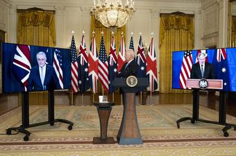 """Vụ tàu ngầm Úc: TT Mỹ Biden đã tặng """"món quà"""" khiến Nga mừng đến mức không dám thổ lộ!"""