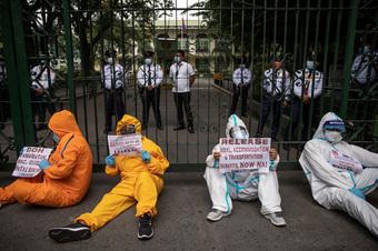 Số ca Covid-19 tăng kỷ lục, Philippines lại nhận tin dữ từ y tá: Đâu mới là điều ngang trái nhất?