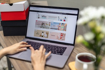 Thúc đẩy mua sắm, tiêu dùng online là cách để không lo thất nghiệp!