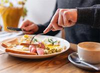 Muốn giảm cân mà vẫn giữ những thói quen ăn uống này thì đừng mong có ngày gầy