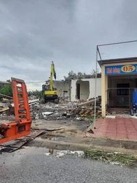 Tháo dỡ, giải tỏa hàng loạt ki-ốt kinh doanh tại khu du lịch biển Quất Lâm
