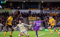 Luân lưu cân não, Tottenham thắng kịch tính Wolves