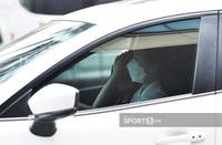 Xuân Trường tiếp tục được vợ đích thân lái xế hộp đến đón về thăm nhà với biểu cảm gây chú ý