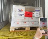 Cận cảnh gần một triệu liều vắc xin Pfizer vừa nhập về Hà Nội và TPHCM