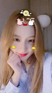 """Jisoo (BLACKPINK) được netizen gọi là """"chúa tể filter"""", chỉ cần soi ảnh selfie sẽ hiểu vì sao!"""