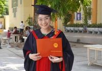 Nữ sinh viên tốt nghiệp báo chí trở thành thủ khoa ngành đạo diễn