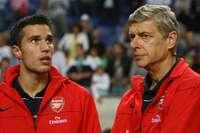 Van Persie, Hazard: Những ngôi sao lớn nhất top 6 NHA đã bán đi