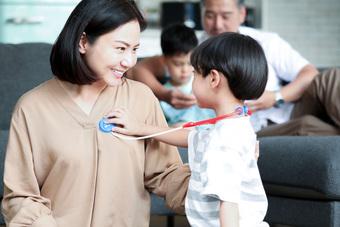 Bà mẹ Việt chia sẻ bí quyết nuôi dạy bé từ 0 - 7 tuổi