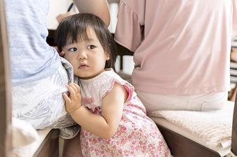 Chuyên gia giáo dục TQ khuyên: Trẻ khóc khi gặp vấn đề, bố mẹ nên nói 4 từ này càng sớm càng tốt