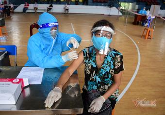 Thủ tướng: Không được thu phí, trục lợi trong tiêm vắc xin phòng Covid-19