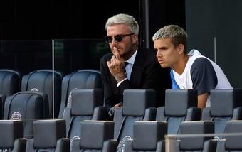 """Nỗi lòng của David Beckham trước sự nghiệp chật vật của """"quý tử"""" Romeo"""