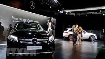 Hai ''ông lớn'' BMW và Mercedes-Benz bị kiện