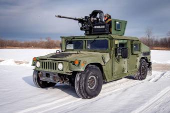 """Tậu xe quân sự """"dạo phố"""", tưởng khó mà dễ: 200 triệu là giấc mơ thành hiện thực!"""