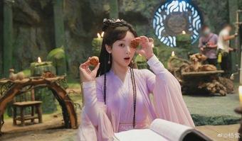 Lâm Tâm Như cô đơn đón Trung Thu hậu lùm xùm liên quan Triệu Vy?