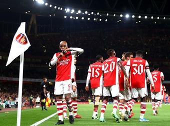 Giật gót ghi bàn nghệ thuật, Arsenal hạ gục đối thủ 3 bàn không gỡ