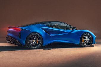 Xe hơi đẹp long lanh, công suất 400 mã lực, giá gần 2,4 tỷ đồng