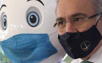 Tổng thống phát biểu xong, Brazil thông báo bộ trưởng y tế mắc Covid-19