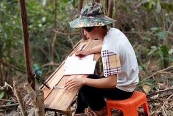 Học trò lên núi hứng sóng học online