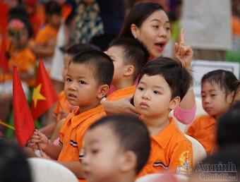 Giám đốc Sở GD-ĐT Hà Nội lý giải về đề xuất hỗ trợ giảm học phí cho học sinh Thủ đô