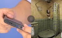 Nhặt được cục sạc dự phòng trong nhà tắm, người phụ nữ lập tức báo cảnh sát vì phát hiện thứ đáng sợ