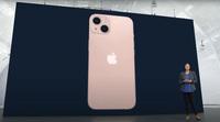 Xem girl xinh hot TikToker đập hộp iPhone 13 màu hồng, hội chị em thất vọng toàn tập?