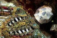 ''Hài cốt đắt giá bậc nhất thế giới'' được tìm thấy trong ngôi mộ mê cung: Vàng bạc, châu báu đếm không xuể