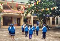 Học trò vùng trũng ở Quảng Trị được tặng hơn ngàn chiếc ba lô