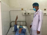 Ê-kíp bác sĩ xuyên đêm phẫu thuật cứu bệnh nhân u não nguy kịch