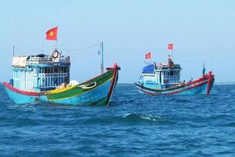 Chạy bão số 6, tàu cá bị tàu hàng đâm chìm, hai ngư dân mất tích