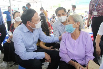 Vì sao Quảng Ninh trở thành một trong những địa phương hoàn thành sớm nhất tiêm vắc xin mũi một?