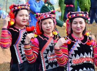 Nét văn hóa độc đáo của dân tộc Hà Nhì