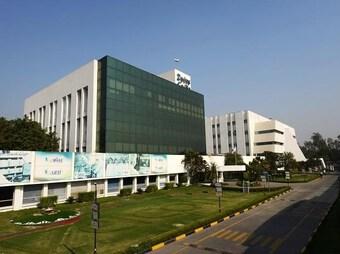Các hãng dược Ấn Độ đẩy mạnh sản xuất vaccine phòng COVID-19
