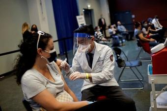 Mỹ chuẩn bị tiêm mũi tăng cường chống Covid-19 cho hàng triệu người