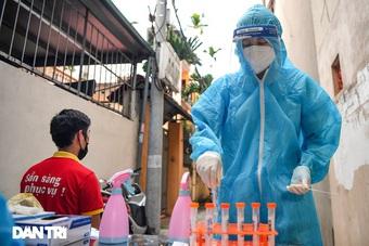 Hà Nội phát hiện F0 ở ổ dịch cũ qua sàng lọc ho sốt