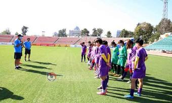 HLV Mai Đức Chung ''ra mệnh lệnh'' phải quên trận thắng kỷ lục cho đội tuyển nữ Việt Nam