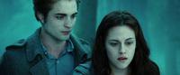 """Đây là cảnh phim """"bốc mùi"""", mất vệ sinh nhất của Twilight, may mà bị cắt bỏ kẻo """"toang"""" sạch hình tượng Bella!"""