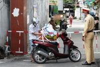 Người dân vùng nguy cơ cao ở Hà Nam đi chợ bằng thẻ, 2 lần một tuần