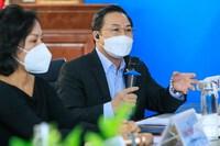 """Tiến sĩ luật Lưu Bình Nhưỡng: """"Phan Anh, Thủy Tiên hay Thái Thùy Linh đều đang mò mẫm khi làm từ thiện"""""""