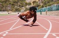 Chàng trai lập kỷ lục Guinness về chạy bằng tay nhanh nhất thế giới, truyền cảm hứng vượt nghịch cảnh