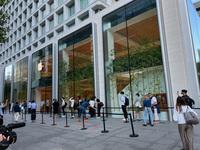 Xuất hiện hình ảnh đau lòng nhất về iPhone 13 ngay trong ngày đầu mở bán!