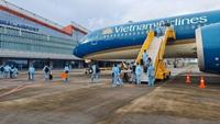 """Người nước ngoài có """"hộ chiếu vắc xin"""" muốn vào Việt Nam cần điều kiện gì?"""