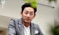 """""""Ông hoàng phòng vé"""" Ha Jung Woo bị phạt hơn 25.000 USD"""